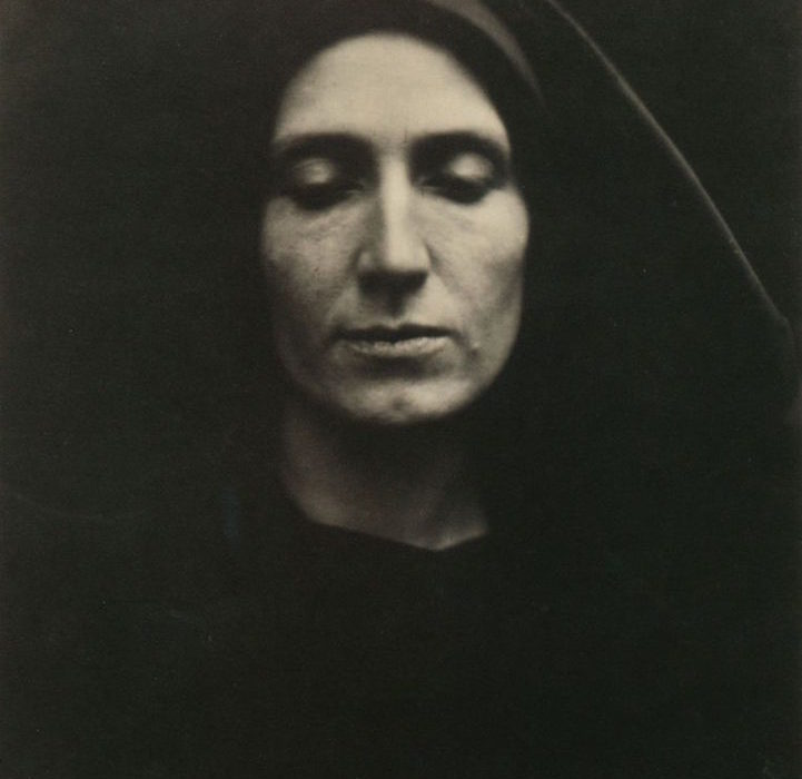 Julia Margaret Cameron :: Unknown Woman or Madonna :: England :: March 1868 :: Albumen Print :: © Wilson Centre for Photography