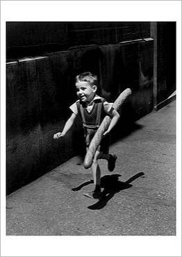 img_The-Little-Parisian_Willy-RONIS_ref~150.002366.00_mode~zoom
